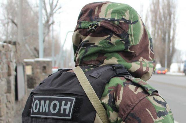 ВПетербурге ОМОН эвакуировал автовокзал наОбводном