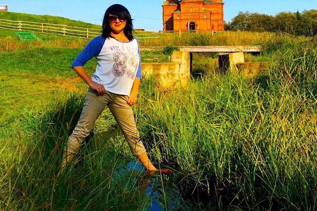 Только в Тверской области, на истоке Волги, можно стоять одной ногой на правом берегу великой русской реки, а другой - на левом.