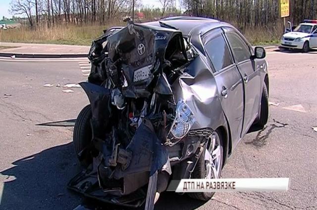 Двое вологодских водителей попали вкрупное ДТП вЯрославской области
