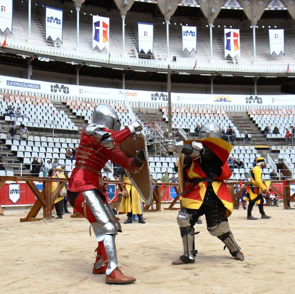 Фрагмент боя в профильной номинации «Щит-меч» с бойцом из Испании