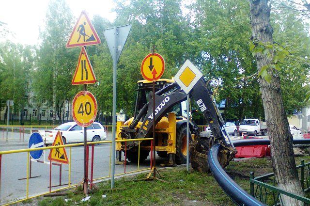 На Одесской в Тюмени проводится масштабный ремонт канализационных сетей