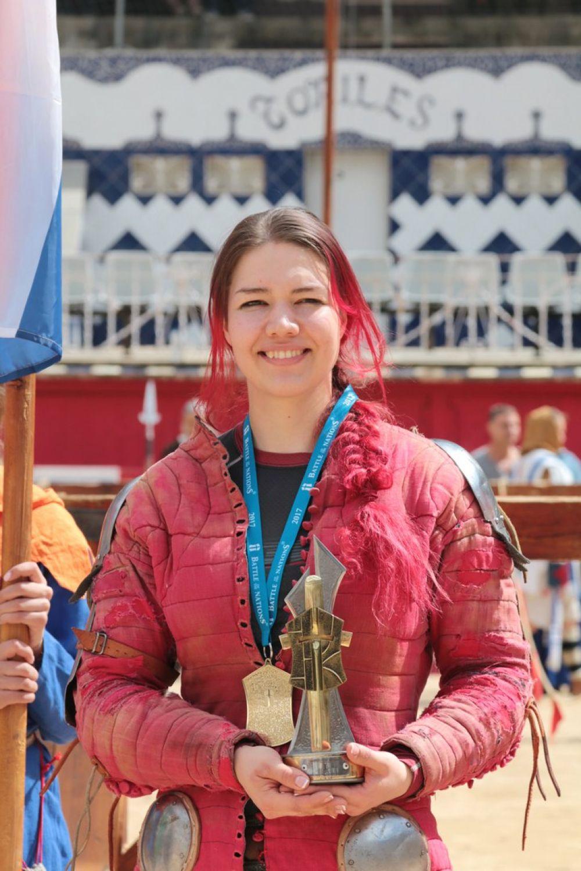 Галина Кохвакко, во время награждения на арене «Монументаль»,