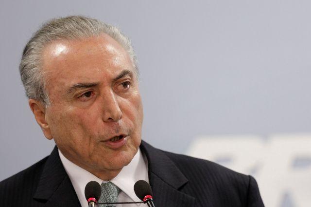 ВБразилии требуют отставки 2-го президента загод