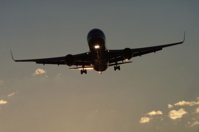 ВЛос-Анджелесе столкнулись пассажирский Boeing и фургон