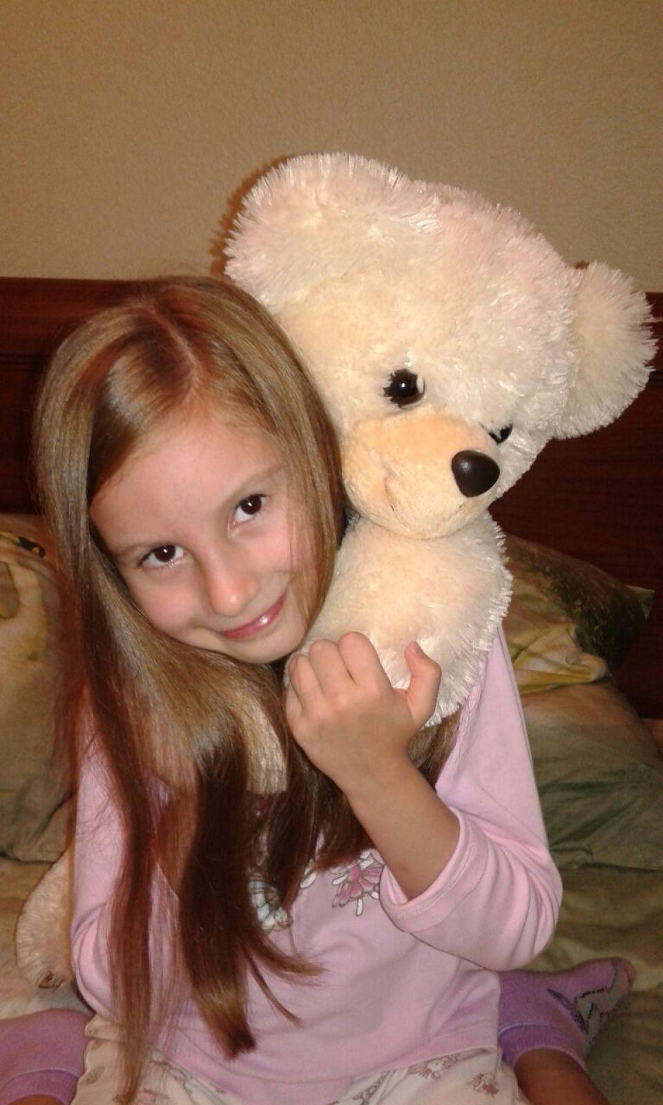 Чернышева Жанна,  8 лет,  любимая игрушка медведь Мишка.
