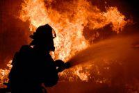 Возгорание произошло поздней ночью.