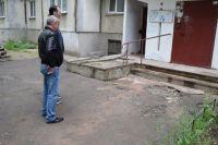 Замглавы администрации Симферополя, курирующий сферу ЖКХ, Кирилл Скороходов встретился с жильцами домов и обсудил с ними имеющиеся проблемные вопросы
