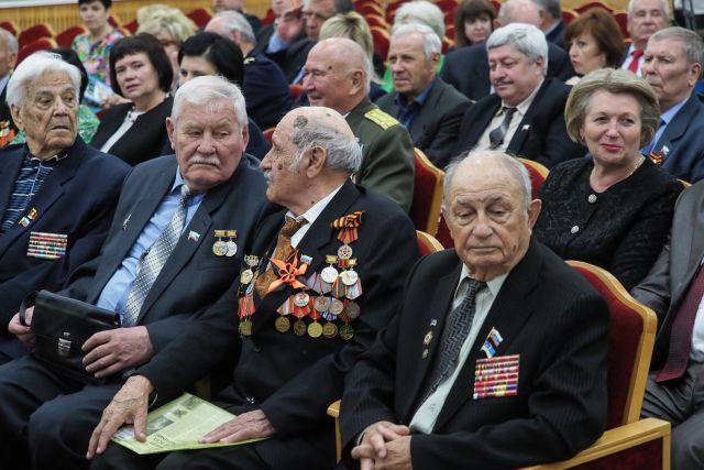Губернатор Владимиров обсудил патриотическое воспитание молодежи светеранским активом Ставрополья