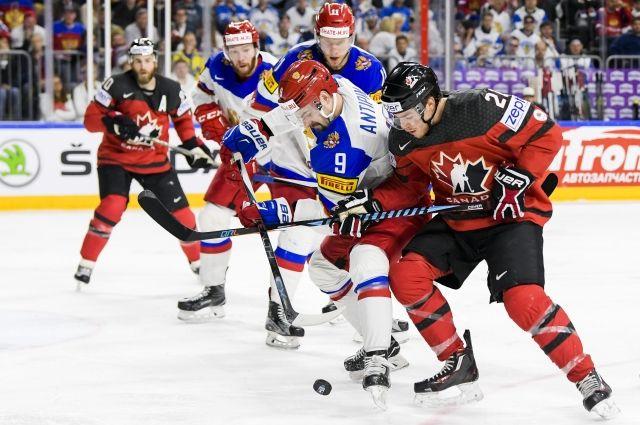 Сборная России уступает Канаде.