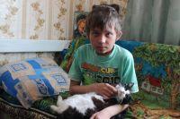 Максим очень добрый мальчик, он старается хорошо учиться и никого не обижать.