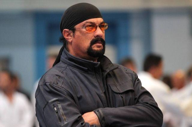 Агент Сигала заявил, что актер не претендует на «дальневосточный гектар»