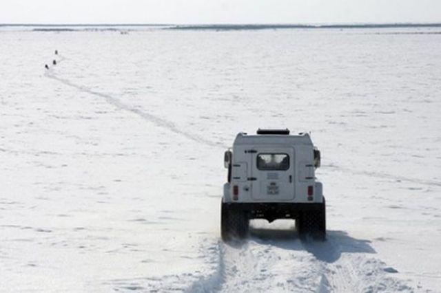 Лед на реке Надым пока не подвижен.