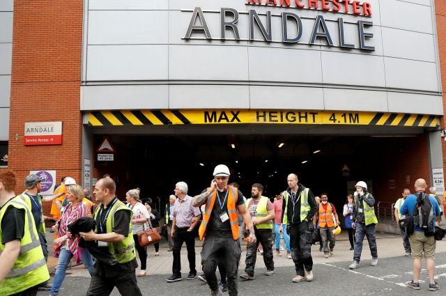 СМИ: в Манчестере раздался хлопок в торговом центре