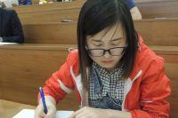 В использовании русского языка у иностранных студентов возникают трудности со склонениями, с построением предложения.
