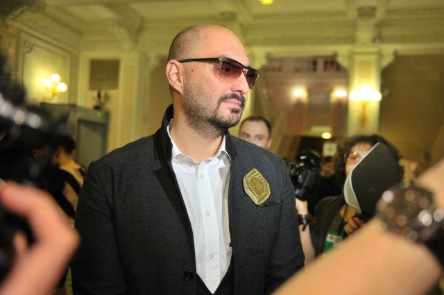 Серебренникова увезли на допрос в Следственный комитет