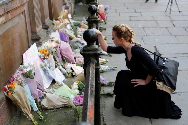 После теракта в Манчестере Ариана Гранде приостановила концерты в Европе
