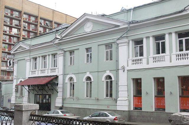 Что происходит вокруг «Гоголь-центра»?