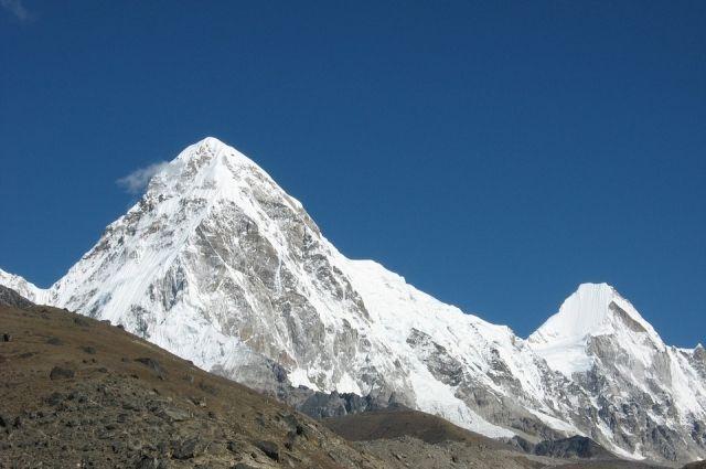 НаЭвересте отыскали  тела погибших альпинистов