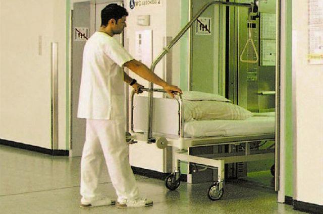 Почему пожилых стараются не класть в больницу?