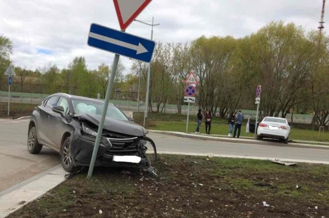 В трагедии с«Лексусом» травмирован шофёр «Лады»— Пермь