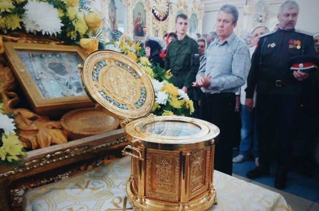 Какие христианские святыни постоянно находятся в Москве?