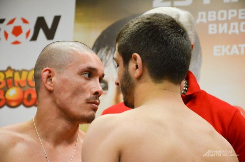 Александр Янышев (слева) и Шамиль Магомедов (Дагестан).
