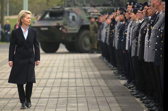 Армию под каблук. В каких странах женщины возглавляют военные ведомства?