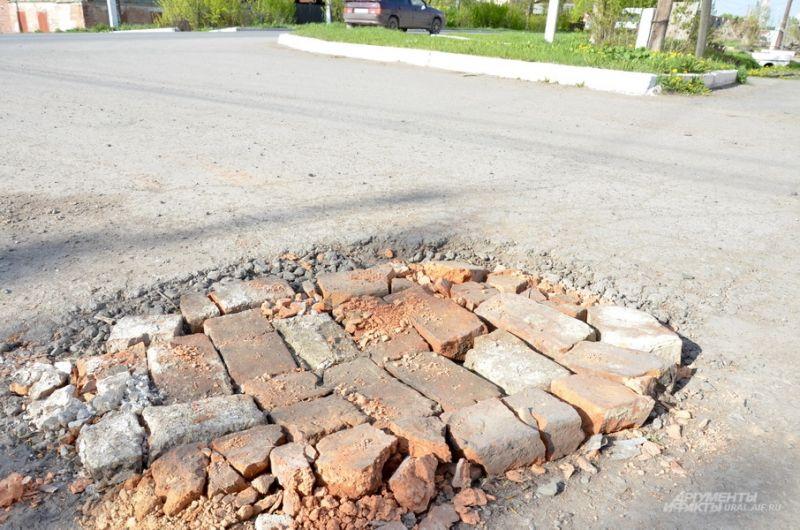 Дорога в Ирбите по улице Карла Либкнехта.