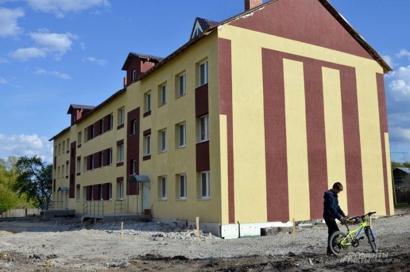 Не принятый в эксплуатацию дом для детей-сирот на Стекольщиков, 6.