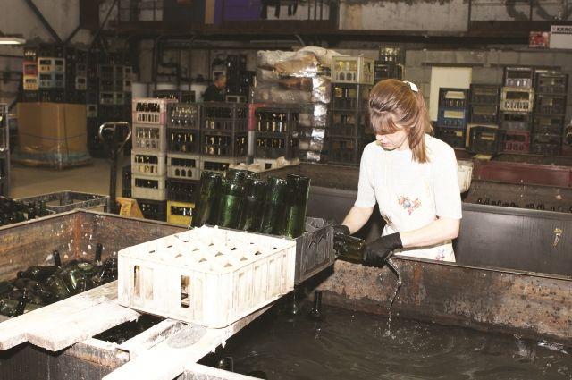 На вторпереработку сегодня отправляются бутылки, автопокрышки.