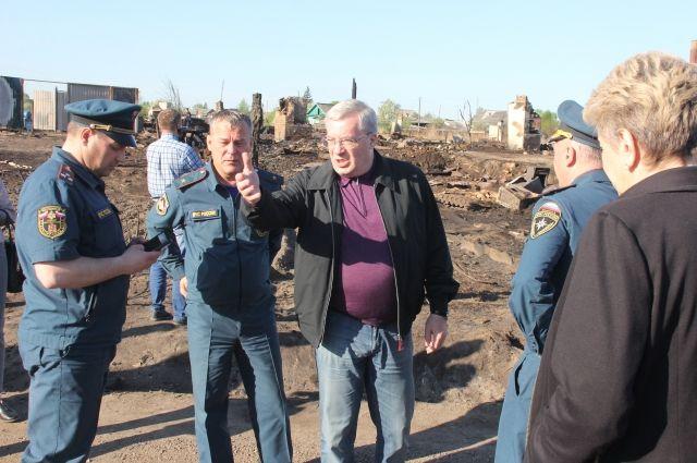 25 мая губернатор провел в Канске расширенное совещание по ликвидации последствий пожара и оказании помощи пострадавшим.