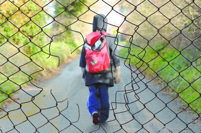 6-летний мальчик отправился гулять по городу один.