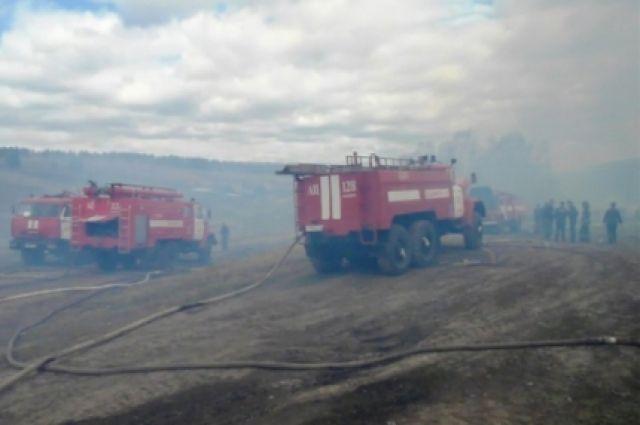 Всего сгорело более 130 домов, без крова остались более 500 человек.