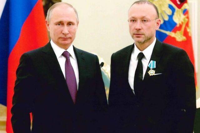 Высокая награда, полученная из рук Владмира Путина, это достойная оценка деятельности Игоря Алтушкина по развитию отечественной промышленности и традиций меценатства.