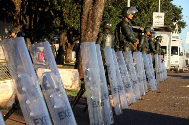 Президент Бразилии передумал привлекать армию для обеспечения порядка