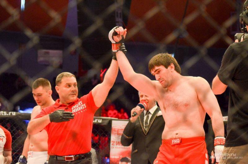 Курбан Омаров одержал победу за 20 секунд.