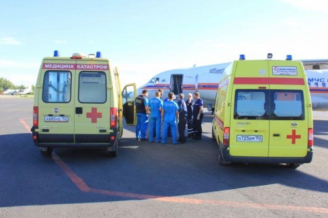 Крымские cотрудники экстренных служб доставили вСанкт-Петербург налечение 2-х тяжелобольных малышей