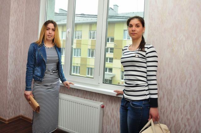 Не менее 33 кв. м – норма жилых помещений для детей-сирот.