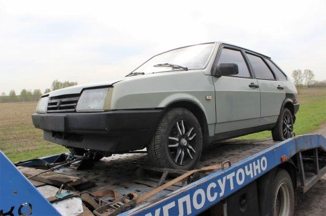 Полицейские применили табельное оружие, чтобы остановить нарушителя на ВАЗ-21093.