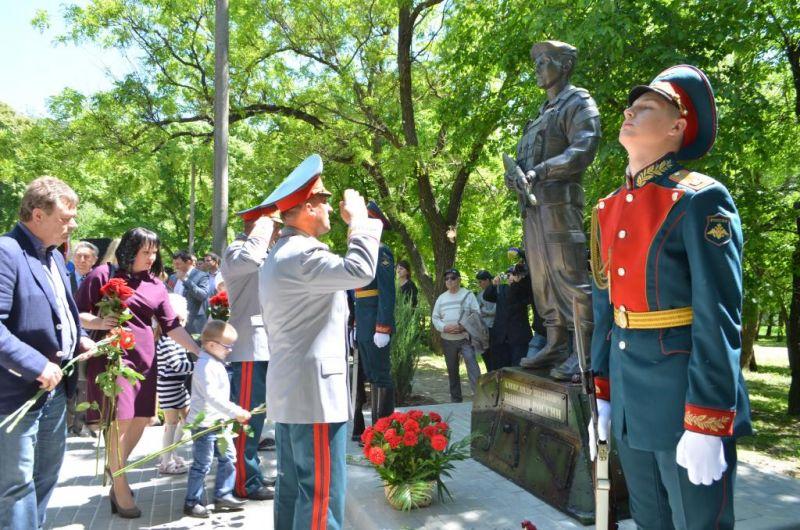 Памятник Александру Позыничу стал центром большого проекта, который планируется к реализации в Александровском саду.