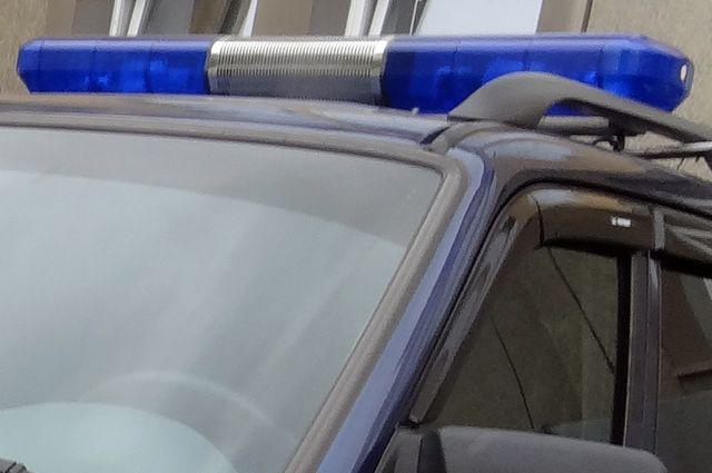 Житель Муравленко выстрелил в полицейский автомобиль.