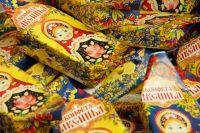 Эковолонтеры провели игры для детей и обменивали пластик на конфеты