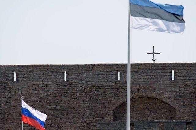Почему Эстония выслала из страны российских дипломатов?