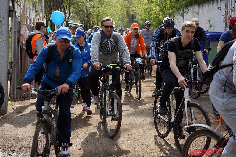 По словам организаторов, в велопробеге приняло участие около 3 тысяч человек.