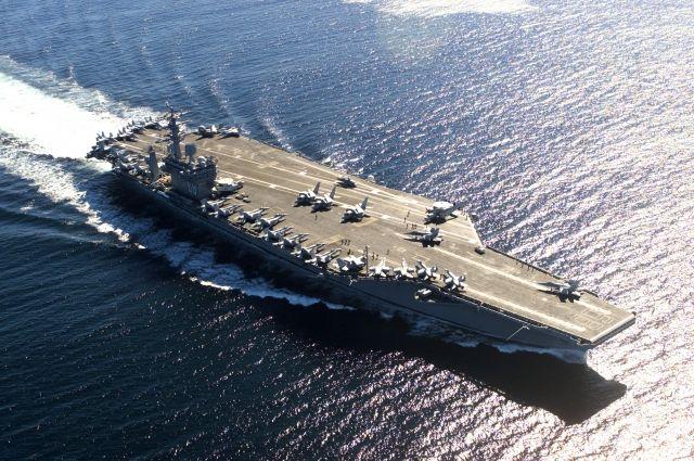 США направили в Тихий океан третий авианосец для сдерживания КНДР