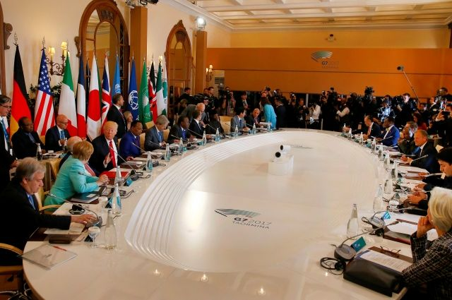 Китай осудил предложенную лидерами G7 милитаризацию прилегающих морей