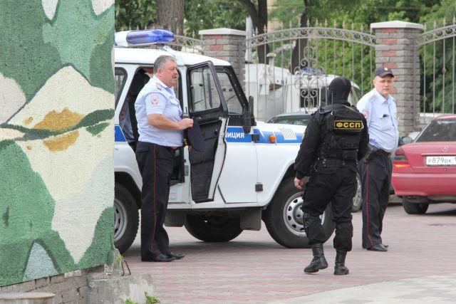 Полицейские Нового Уренгоя рассказали горожанам о телефонных и интернет-мошенничествах.