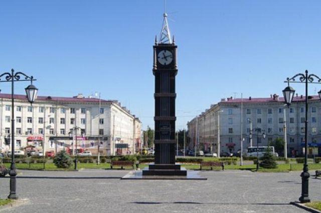 Стела с часами на площади Гагарина должна быть снесена по решению суда