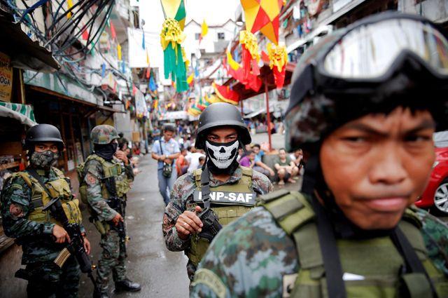 На Филиппинах в боях между армией и боевиками погибли более ста человек