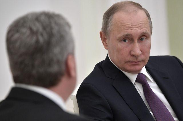 Путин приехал в Париж на встречу с Эммануэлем Макроном